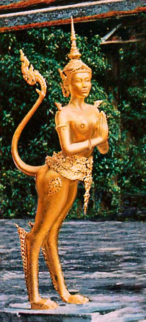 Golden statue of a norasingh (a Thai guardian spirit, half-lion, half-human). Dream sketch by Wayan based on a photo by M.B. Grosvenor. Click to enlarge.